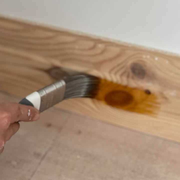 Knotting On Skirting Board